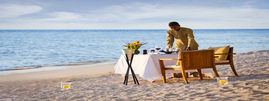 Romantic beach dining on your luxury holiday in Mauritius