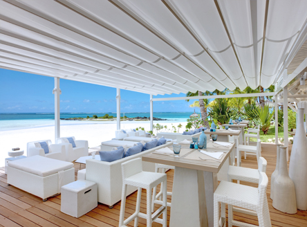 Fabulous beachside dining at LUX* Belle Mare